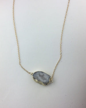 White Geode Necklace - alma boutique