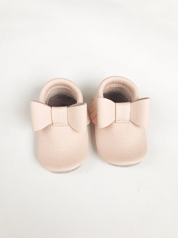 Blush Bow Moccs