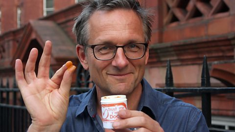 Michael Mosley and the Trust me I'm a doctor team look at the effectiveness at Turmeric for protecting us against cancer.