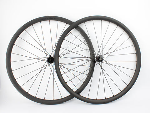29er Carbon Clincher with DT Swiss 240 Hub - Tubeless Compatible