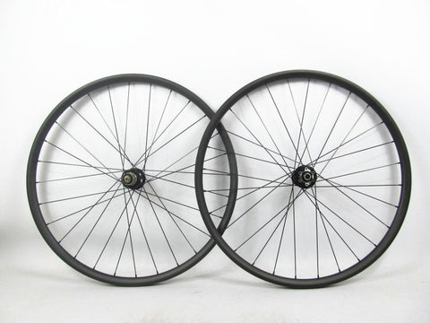 29er Carbon Clincher with Novatec Hub - Tubeless Compatible