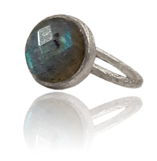 Capri Medium Stackable Circle Ring Labradorite