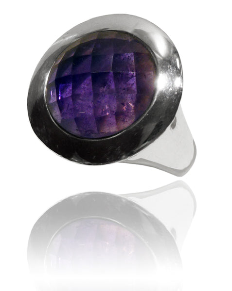 Small Italian Full Faceted Circle Ring with Simple Band Amethyst