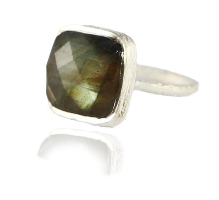 Capri Small Circle Ring Smokey Quartz