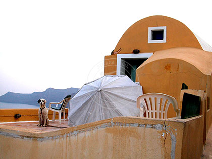 Greece: Waiting for the Sun - Santorini