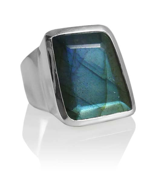 Iceland Limited Edition Stone Ring Labradorite