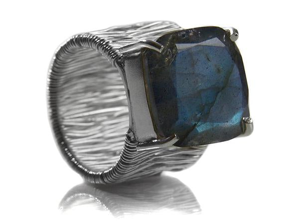 Italian Step Ladder with Stone Ring Labradorite