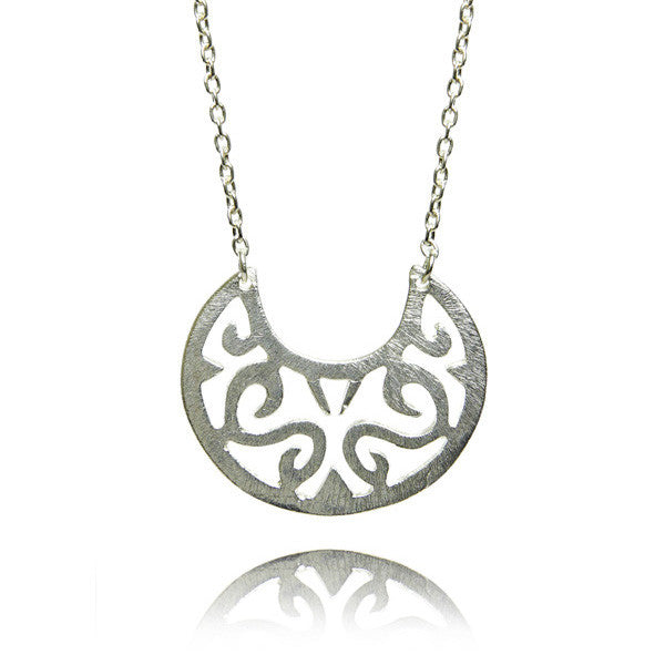 Brushed Arabesque Swing Necklace