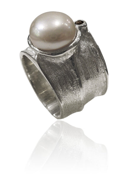 Assymetric Amazon River Pearl Ring