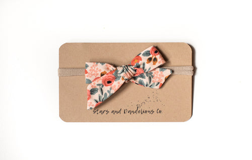 Stars and Dandelions Lillianna Baby Bow, Rosa Floral Peach