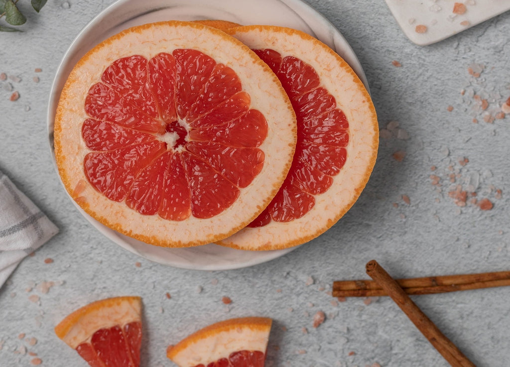 The UMA Oil Files: Why Grapefruit Is an Uplifting, Clarifying, Boosting Ingredient for Skin (and Body)