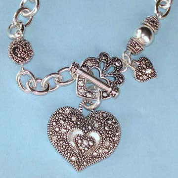 Marcasite Vintage Look Heart Toggle Bracelet