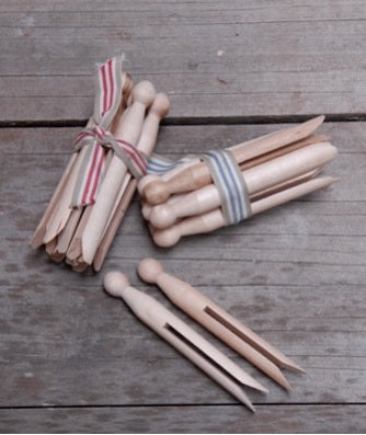 Bundle of Wood Dolly Pegs