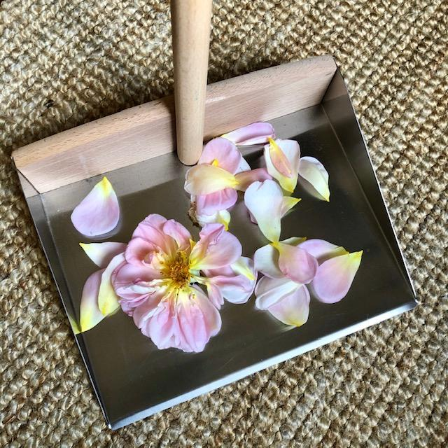 Base of the Redecker Dust Pan and Brush Set with Rose Petals