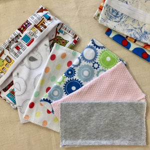 5 Multi Purpose Wipes & Carrier Bag