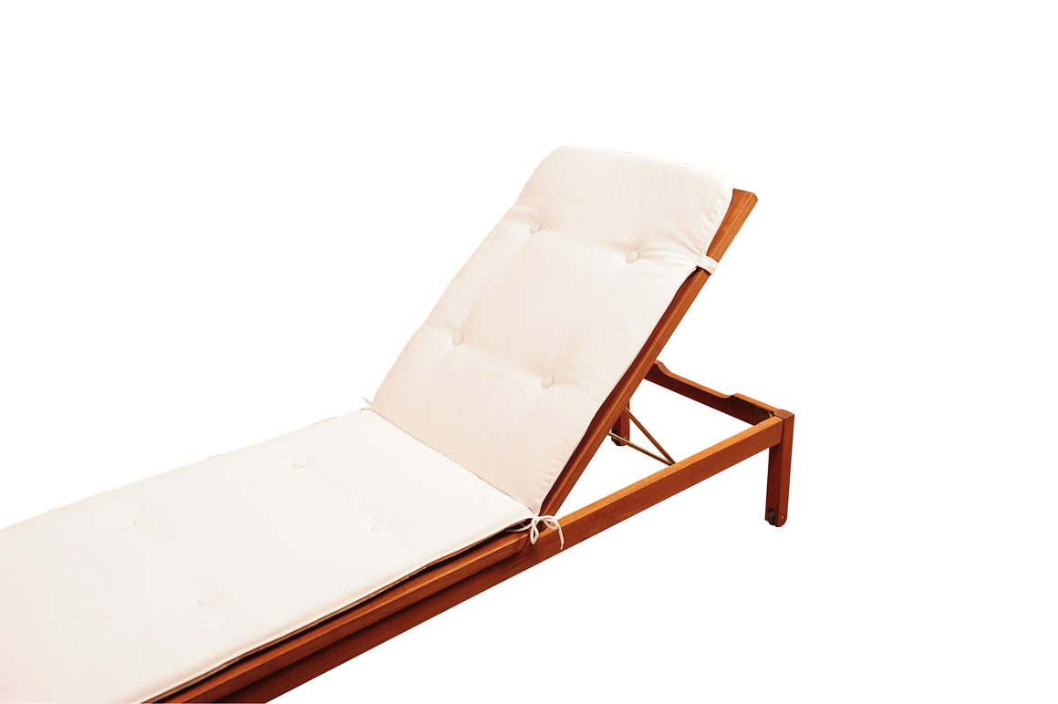 Amazonia Washburn Wheel Lounger with  White Cushions , International Home Miami- grayburd
