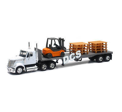 New Ray Long Haul Trucker International Lonestar Flatbed W Forklift Pallets 1/43