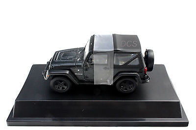 Greenlight 2012 Jeep Wrangler Rubicon 1/43 Black W / Hard Case Diecast Car