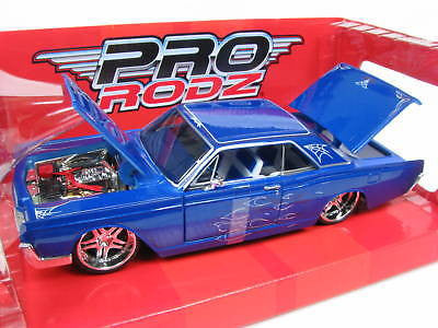 Maisto 1966 Lincoln Continental 1/26 Iecast Cars