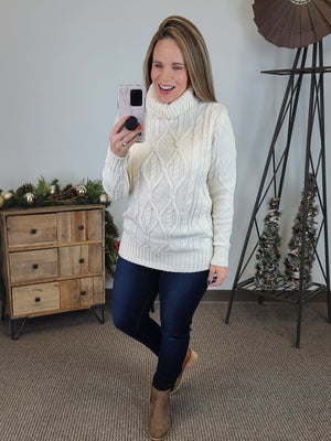 Christmas Ready Turtle Neck - Cream