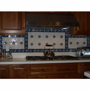 Braganza Blue Border Backsplash for the Kitchen