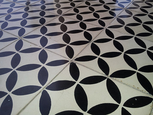 Avente's Geo 10 cement tile pattern in black and white
