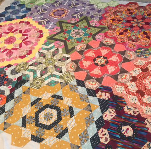 The New Hexagon, Millefiore Quilt Along, machine pieced with Aurifil 50/2, machine quilted with monofilament