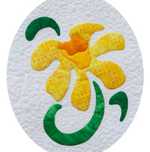 Sew Simple Innovative Appliqué Flower Quilt Pattern | Daffodil