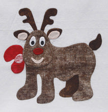 Innovative Appliqué Holly Jolly Reindeer Pattern