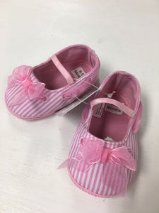 Pink strip crib shoes
