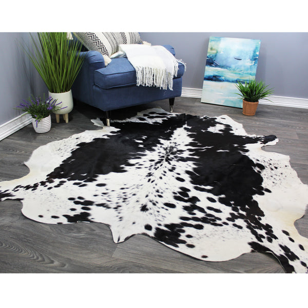 "Natural Geo Black/White Cowhide Animal Area Rug 5' 2"" x 5' 3"""
