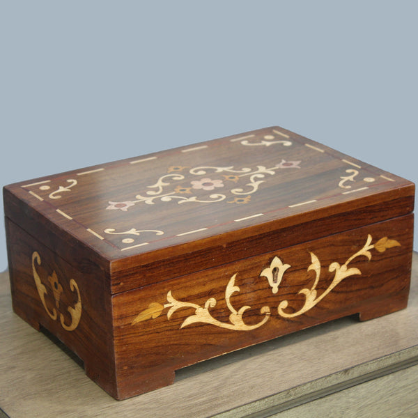 Natural Geo Handmade Rosewood Flower Wooden Jewelry Box with Key