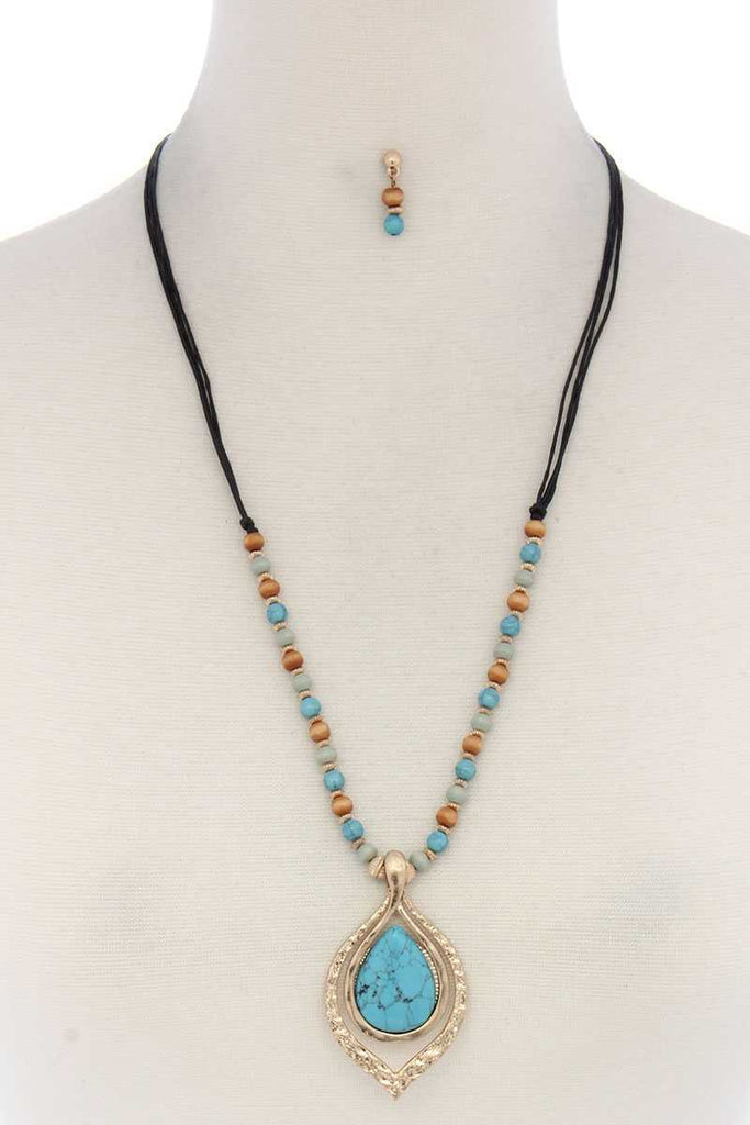 Pointed Oval Teardrop Pendant Beaded Necklace