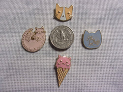 Cat enameled metal needle minders