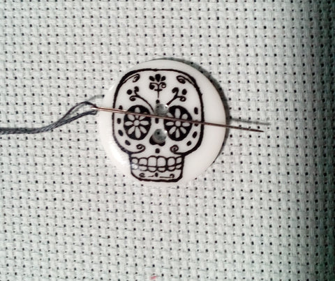 Sugar Skull Button Needle Minder
