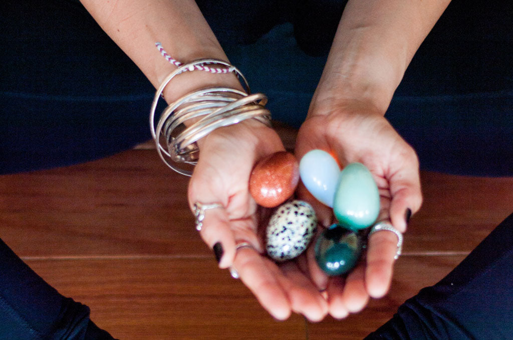 9 Ways to Energetically Cleanse Your Yoni Egg