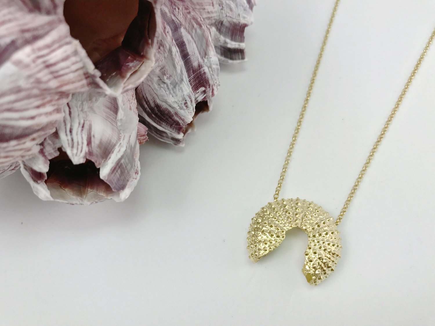 SEA URCHIN BROKEN Necklace