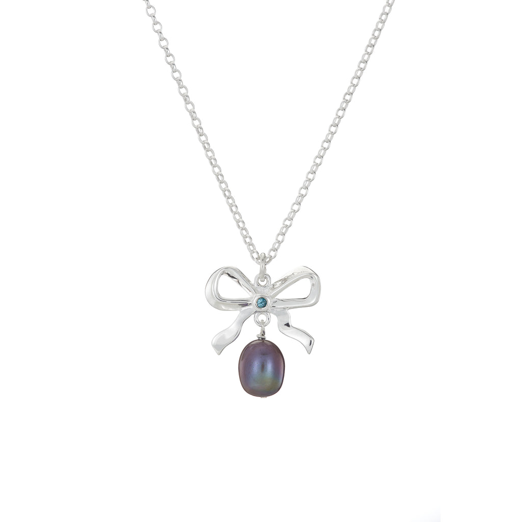 Pearl and Bow necklace