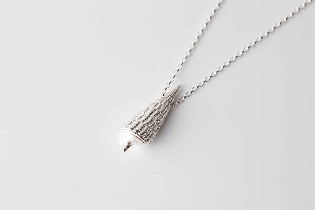 MOZAMBIQUE SHELL necklace - silver - Jennifer Kinnear Jewellery - shell collection