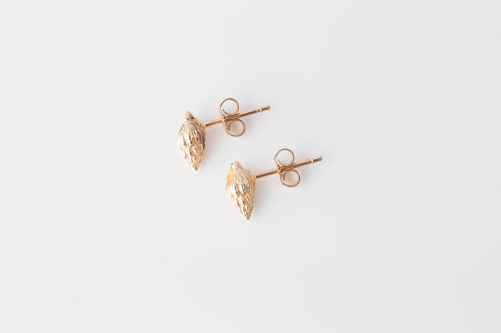 Gold WHELK SHELL stud earrings in plain for Jennifer Kinnear Jewellery.