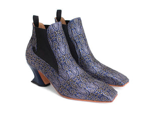square toe chelsea boot