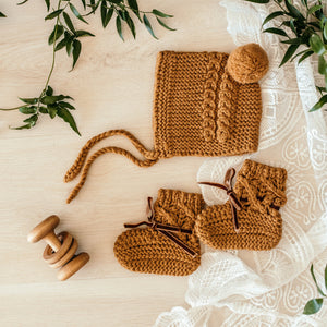 Merino Wool, Bonnet & Booties set - Bronze