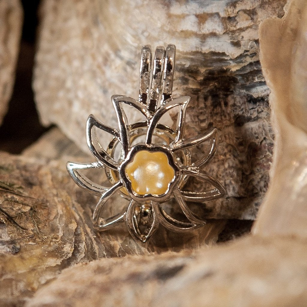 "Sunflower Pearl Cage and 20"" Chain - Plated #353"
