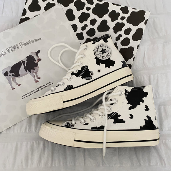 Cows Hand-Painted Canvas Shoes AD12745
