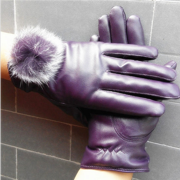 Fly Chic Faux Leather Gloves