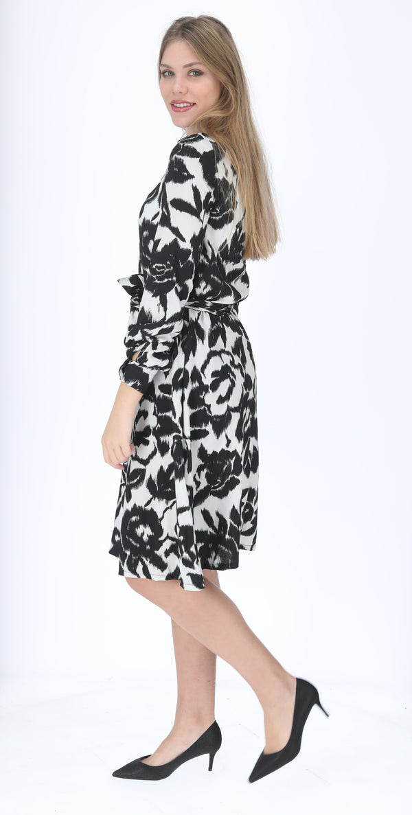 A-line Elegant Dress with belt / Black & White Flowers