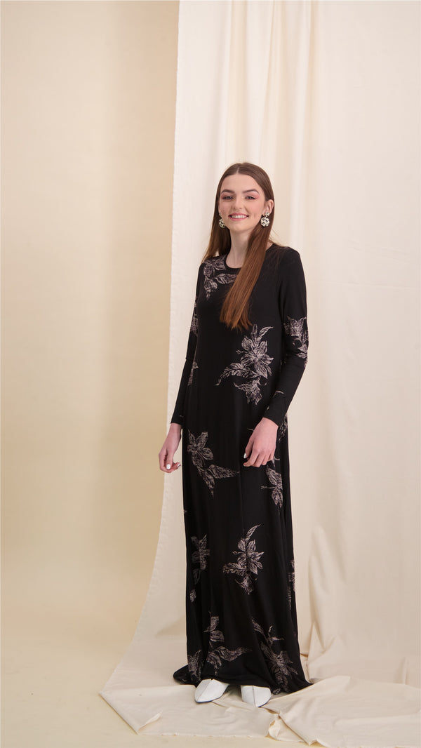 A-line Maxi Dress / Black Leafs