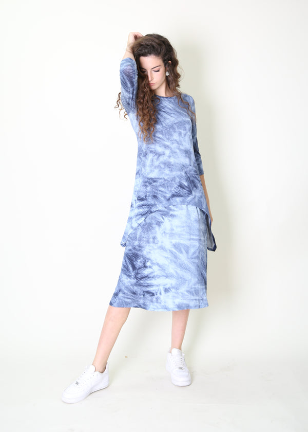 Asymmetric T-shirt / Blue Tie Dye