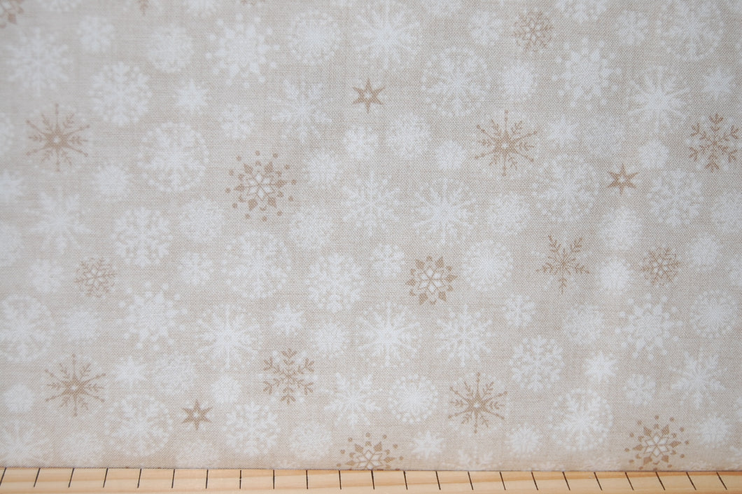 Fabric Shack Makower Henley Studio Scandi Christmas Holiday Cream Natural Heart Star Snowflake Cotton Fat Quarter 2