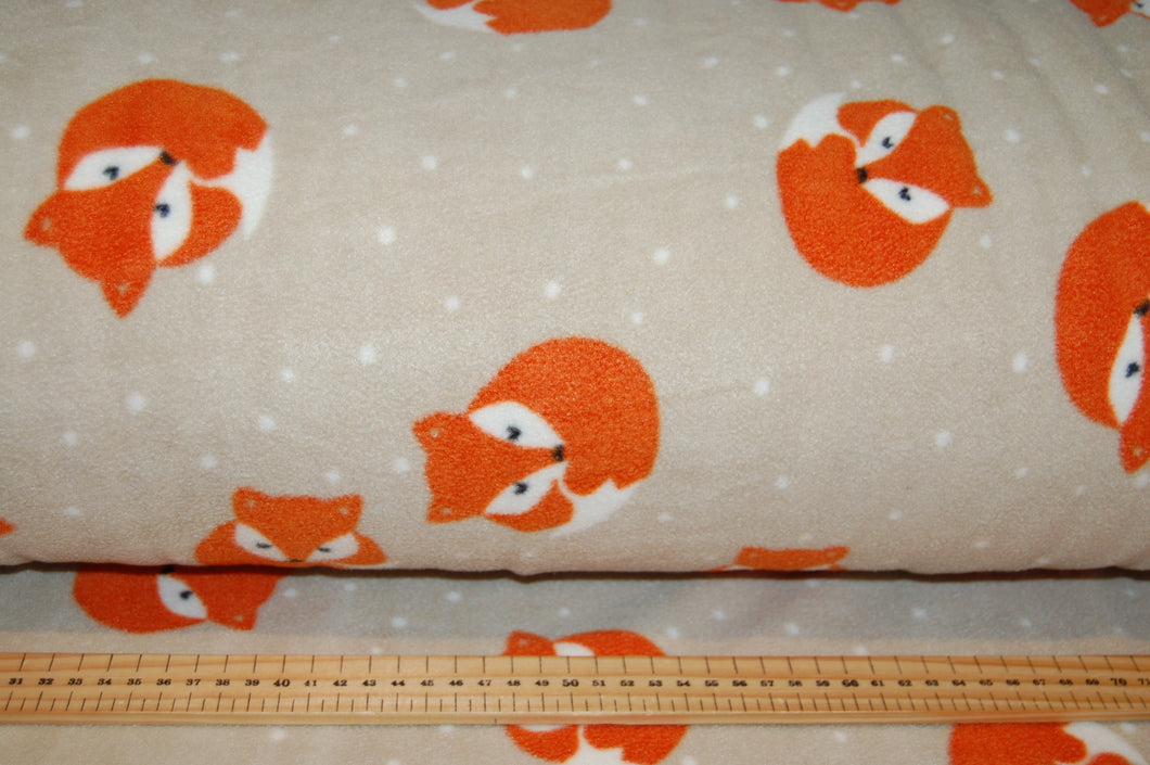 Fabric Shack Sewing Quilting Sew Fat Quarter Cotton Metre Quilt Fleece Fox Foxes Cub Patchwork Quilting Polar Antipil  Beige Brown
